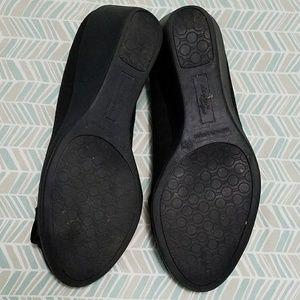 Dexflex Shoes - EUC Amazing Deflex black buckle wedges, sz 6.5